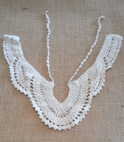 Tiered Crochet Collar Beige