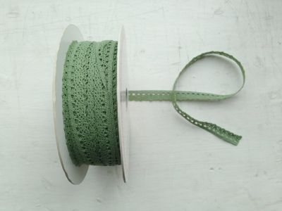 10mm Scalloped Narrow Lace Soft Green Col 5621