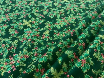 Traditional Christmas Holly Green C326