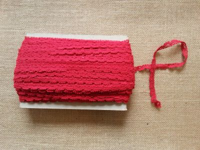 Cotton Scalloped Edge Trim Red