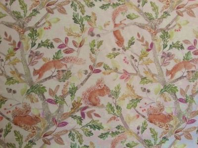 Voyage Scurry of Squirrels Linen