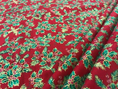 Traditional Christmas Holly Red C325