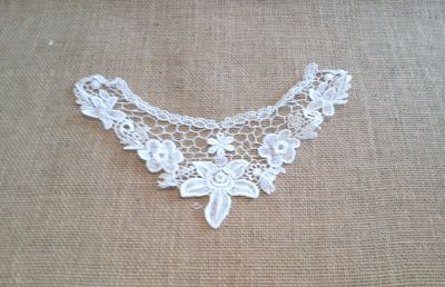 Floral Guipure Collar Ivory