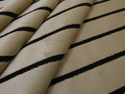 Kings Stripe Velvet Cream Black Tex Ex 2054