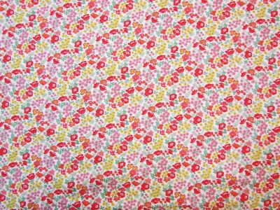 Classic Flower Field White Red U4