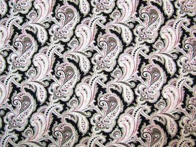 Large Paisley Black Ivory U9